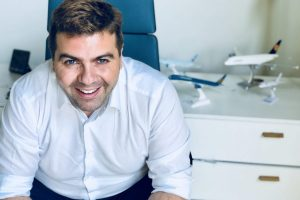 Μάνος Δασκαλάκης επιχειρηματίας και δημιουργός βιβλίο αφθονία